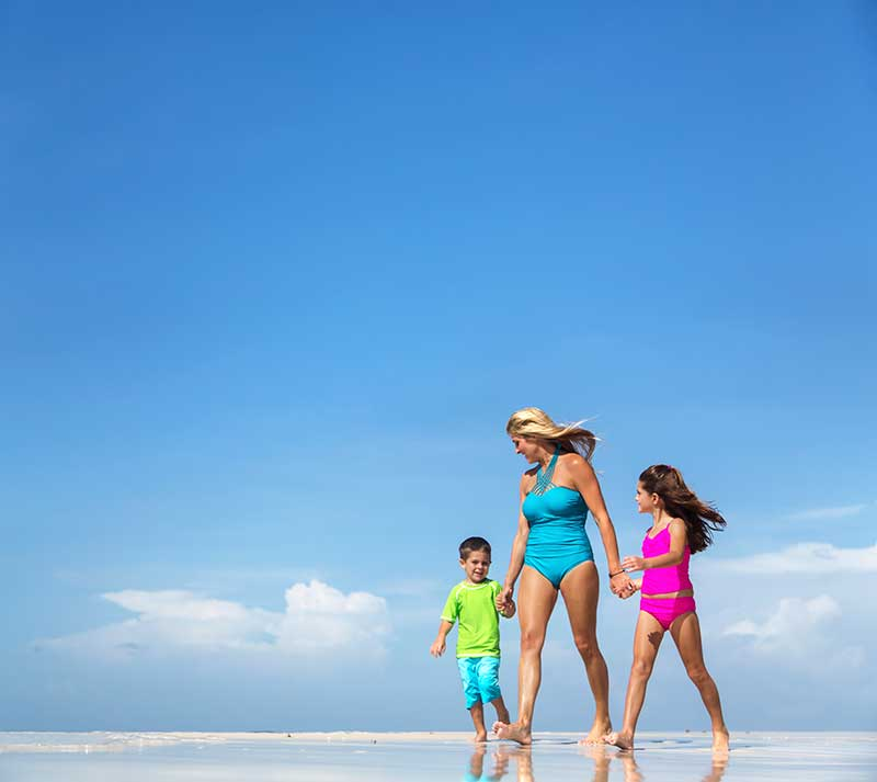 srgbc-beach-family